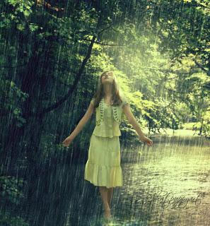 girl-rain-raining-Favim.com-155175